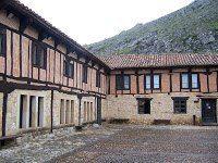 Aguilar de Campoo, la villa de las siete puertas